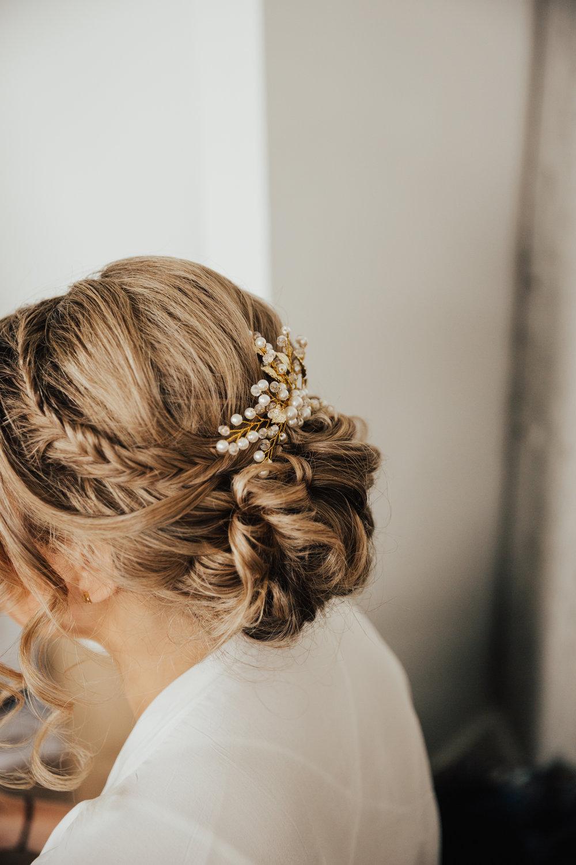 romantic natural bridal hair