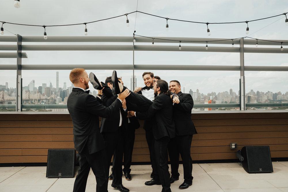 fun groomsmen photo