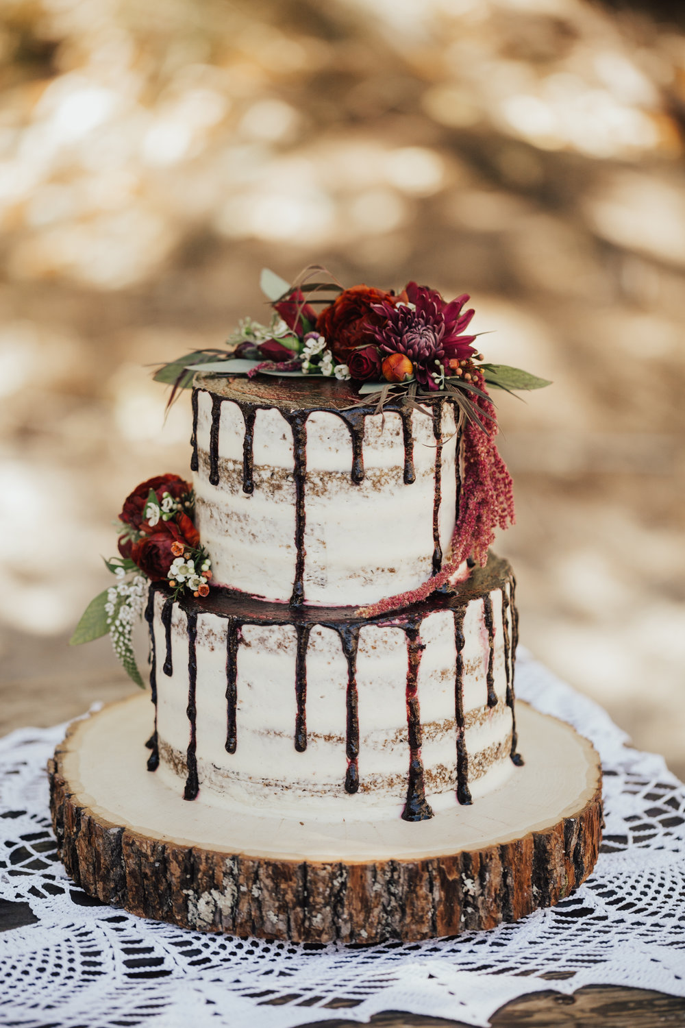 naked drip wedding cake