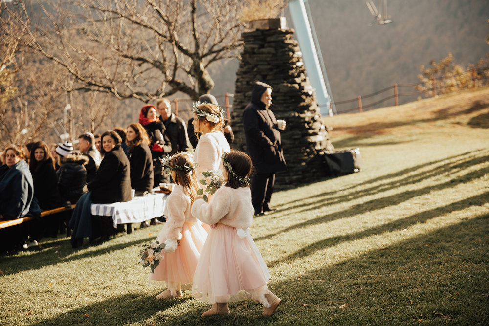 flower girls pink dresses