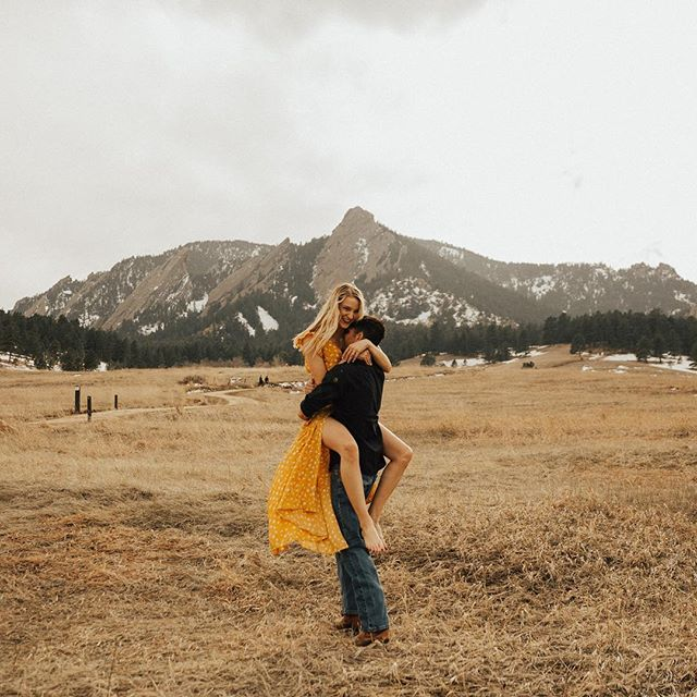 Colorado blew us away with its beauty 😍 What's a place you have visited that made you feel this way? • • • • • • #engagednyc#wanderingphotographers#loveauthentic#rockynationalpark #nycweddingphotographer #colorado#loversofthelight_#intimateweddingphotographer#junebugweddings#newyorkweddingphotographer #anotherwildstory #belovedstories#loveandwildhearts #thatsdarling#greenweddingshoes  #coloradoengagement  #photobugcommunity#dirtybootsandmessyhair#radlovestories# #couplesgoals #belovedstories  #muchlove_ig #nycengagement  #gracefulbrides #shesaidyes