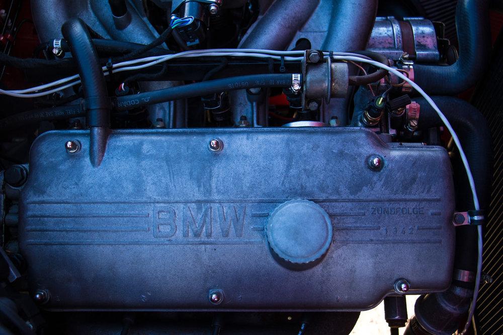 BMW-2002-Car-22.jpg