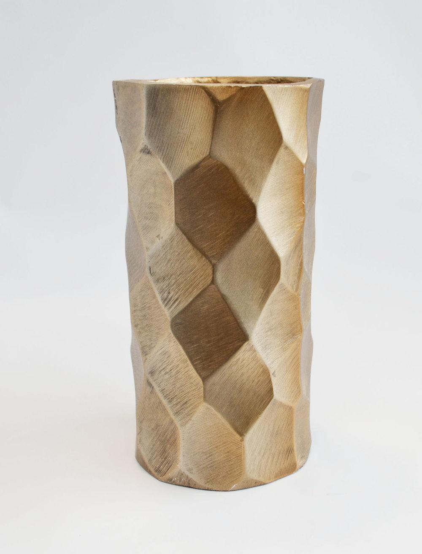 gold chiseled vase   Quantity: 12  Price: $8.50