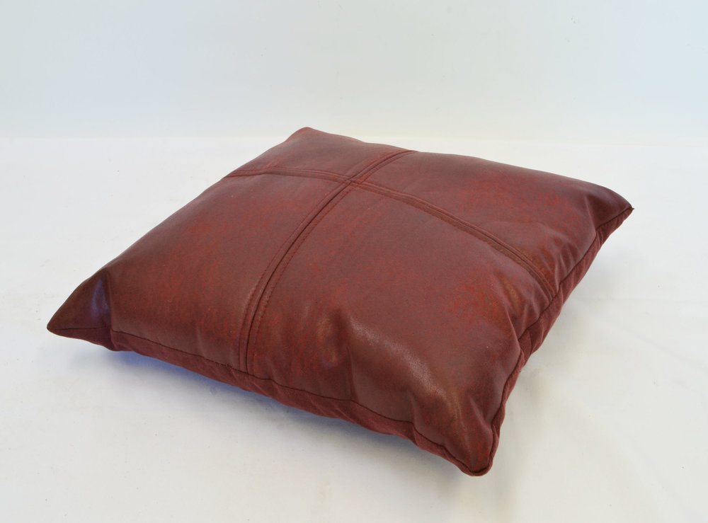 burgundy pillow   Quantity: 1  Price: $10.00