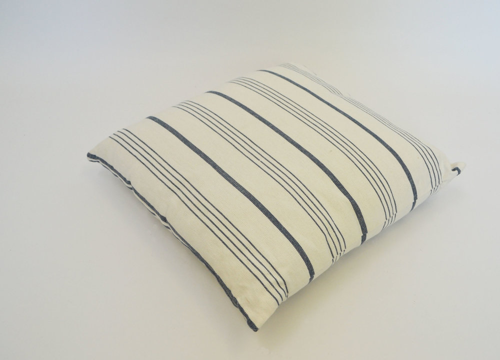 nautical pillow   Quantity: 7  Price: $10.00