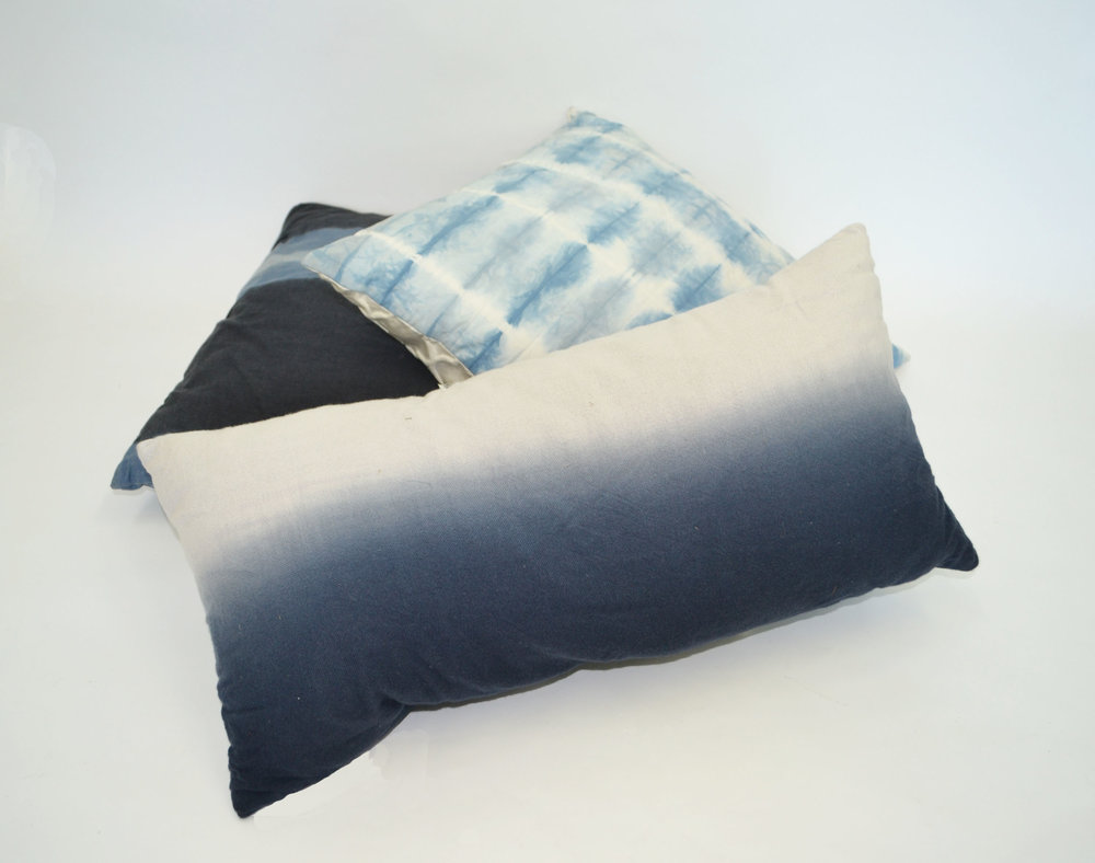 blue tie-dye pillow   Quantity: 4  Price: $10.00