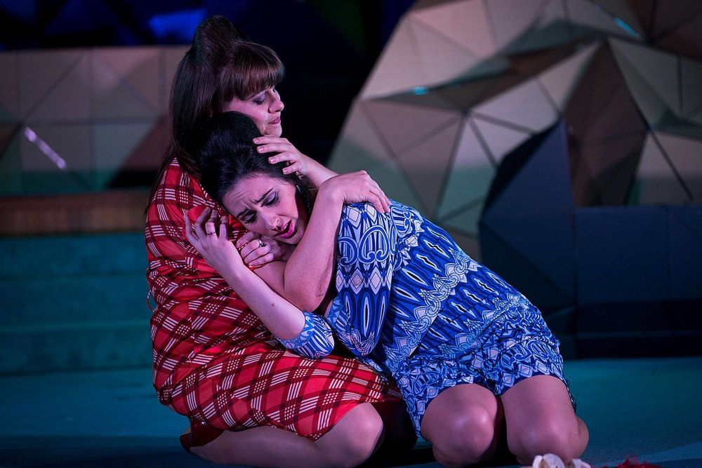 Alinda and Isifile - Photo Credit Gary Payne.jpg