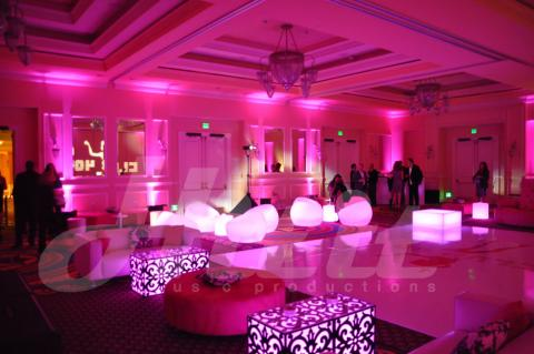 San_Diego_Wedding_Dj_Club_40_3.jpg