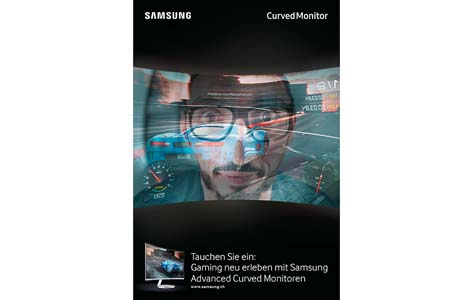 Lorenz_Wahl_KundV_Samsung_Curved_Monitor_Gaming.jpg