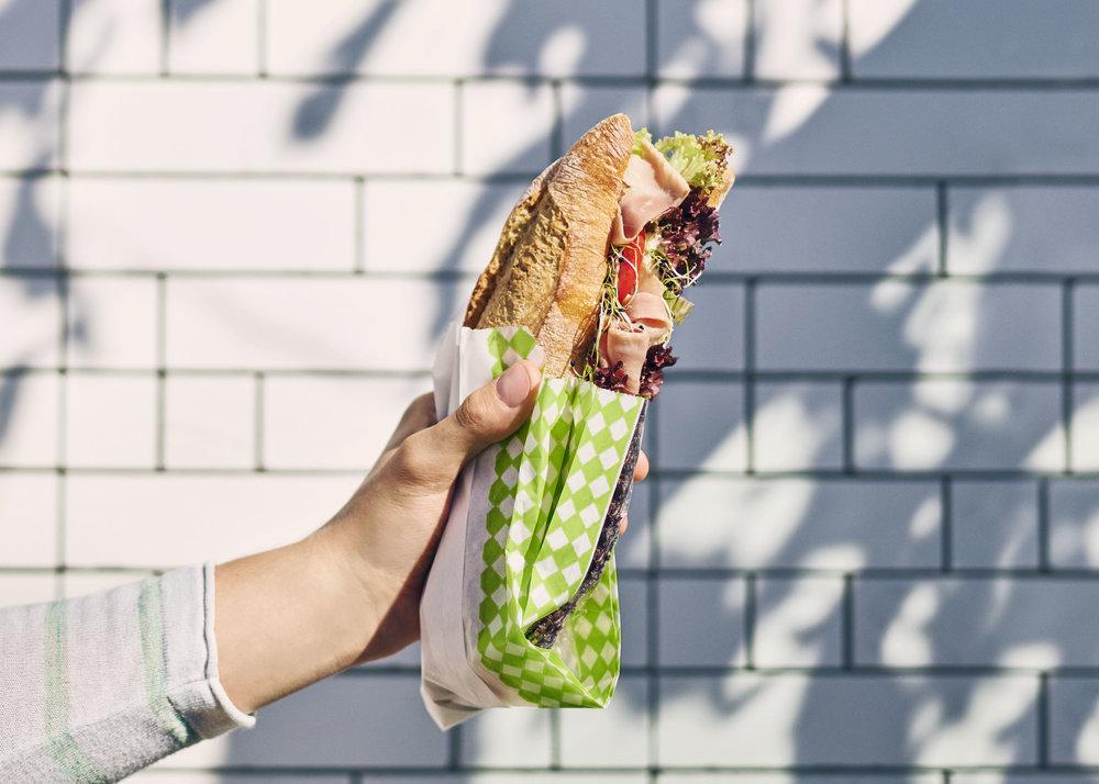 Migros-Daily_Plakat_Sandwich-Schinken_quer_01_RGB.jpg