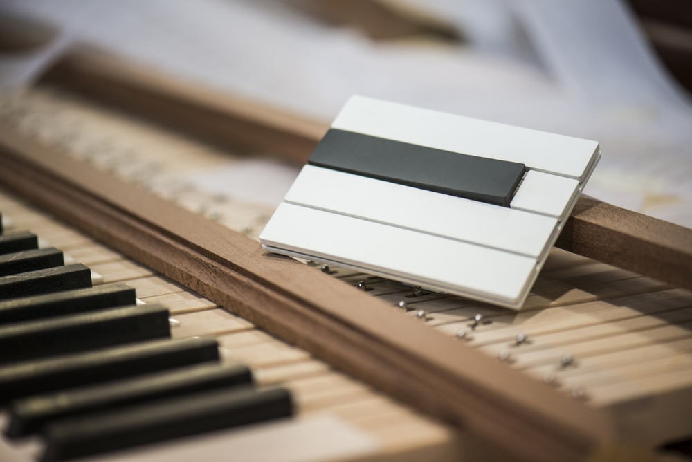 Piano_blackwhite_1200_801.jpg