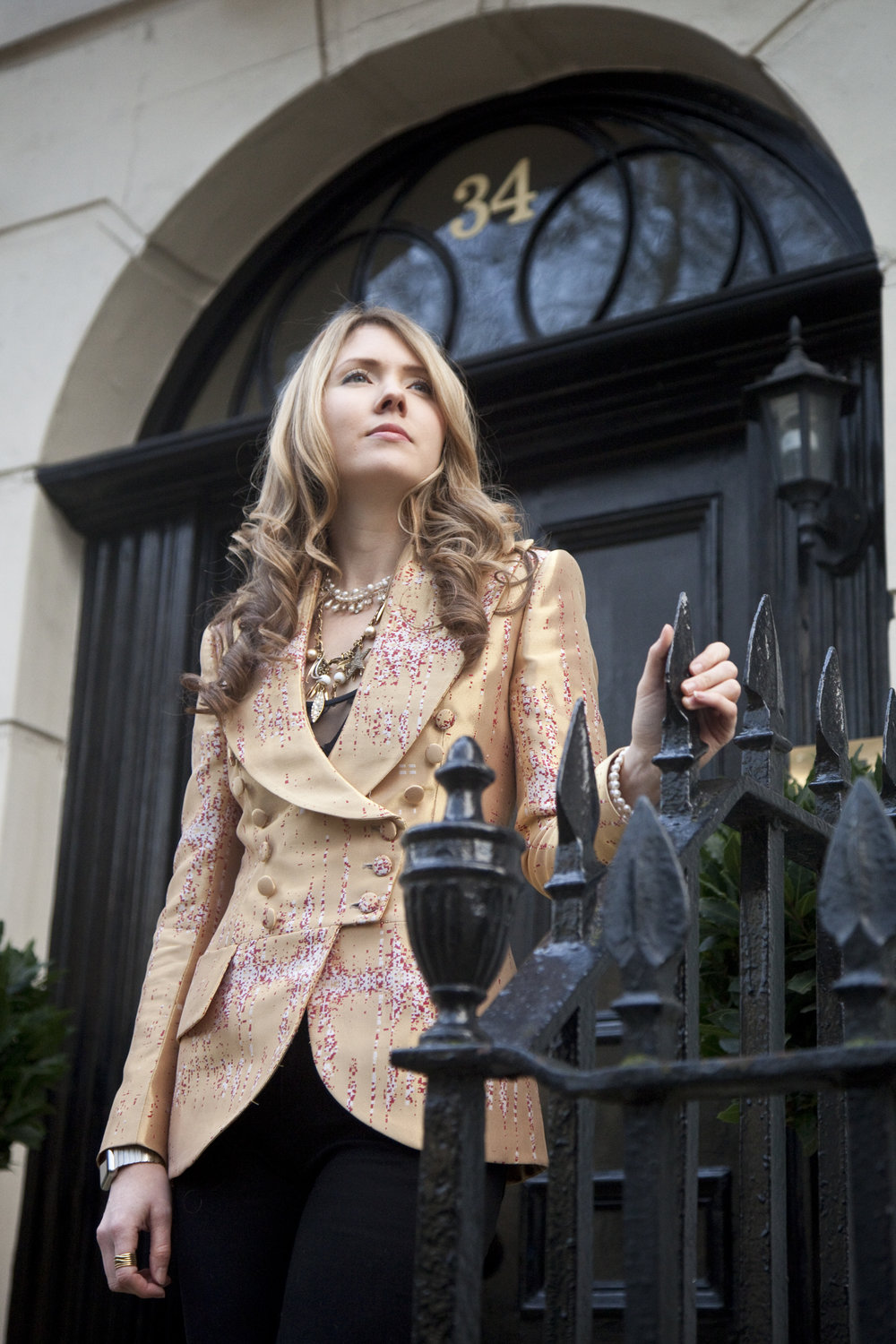 03. Beatie Wolfe - Musical Jacket outside 34 Montagu Square - Photo by Ollie Smallwood.jpg