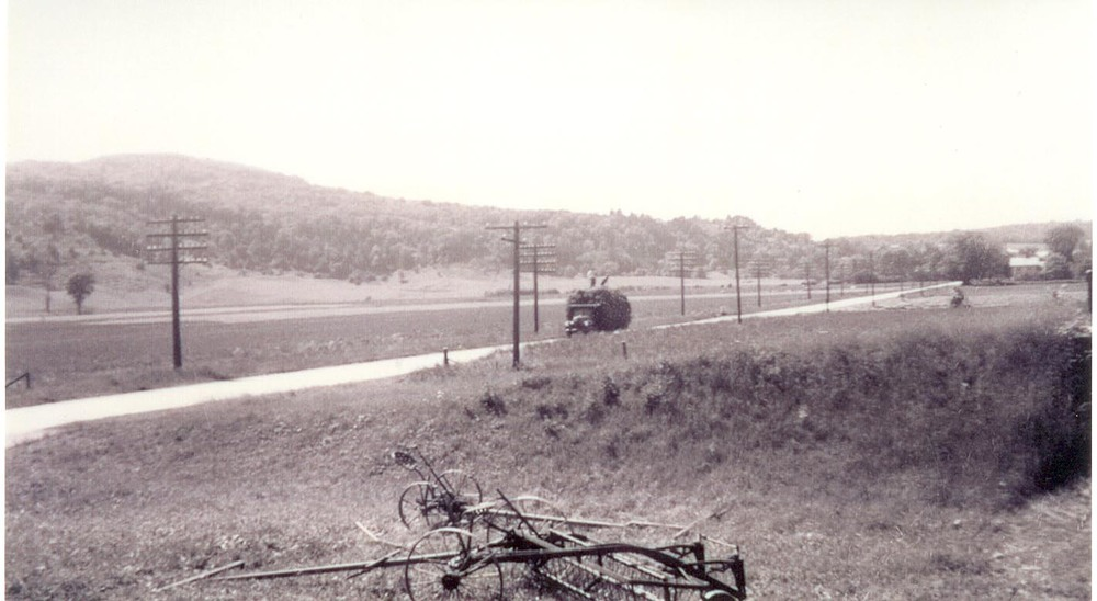 Another shot of Rt. 2, before the Interstate was constructed