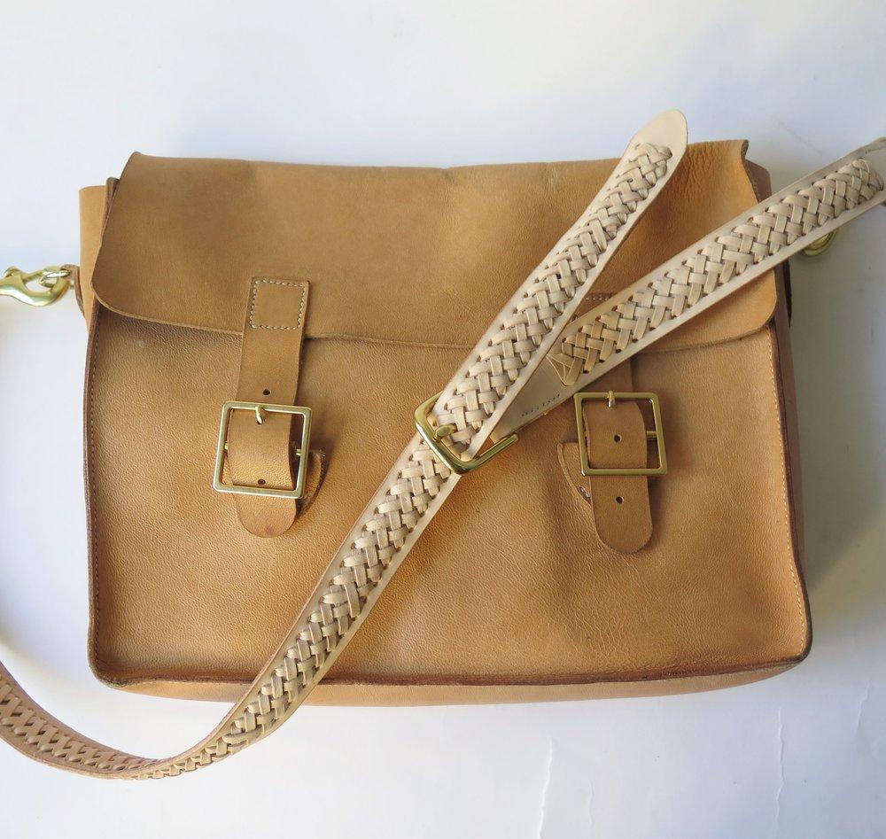 Mary-Savel-Bucky-Bag-Leather-handbag-saddle-stitch.9 (1).JPG