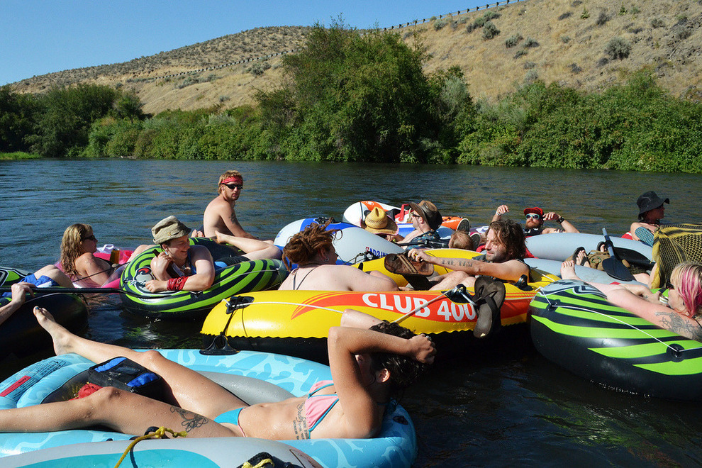 Tubing Yakima River Dreamboats