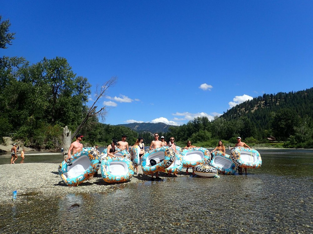 Leavenworth-river-tubing-wenatchee-river-floating-dreamboats.jpeg