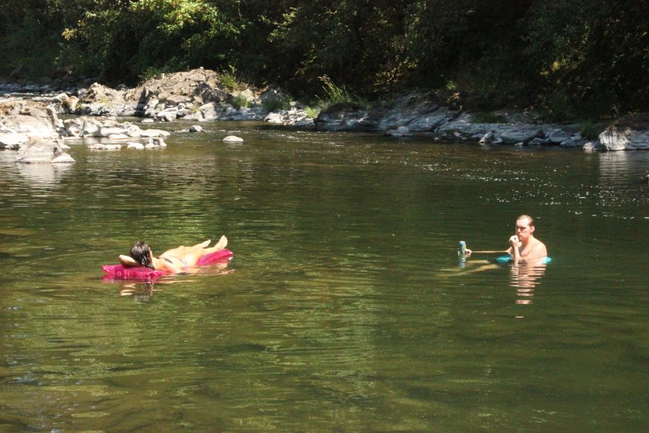 Dreamboats-Washougal-River-Tubing-Washougal.jpg