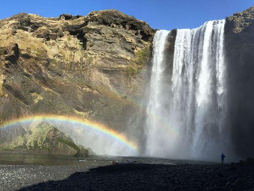 YDR-EJ-041216-Iceland-1.jpg