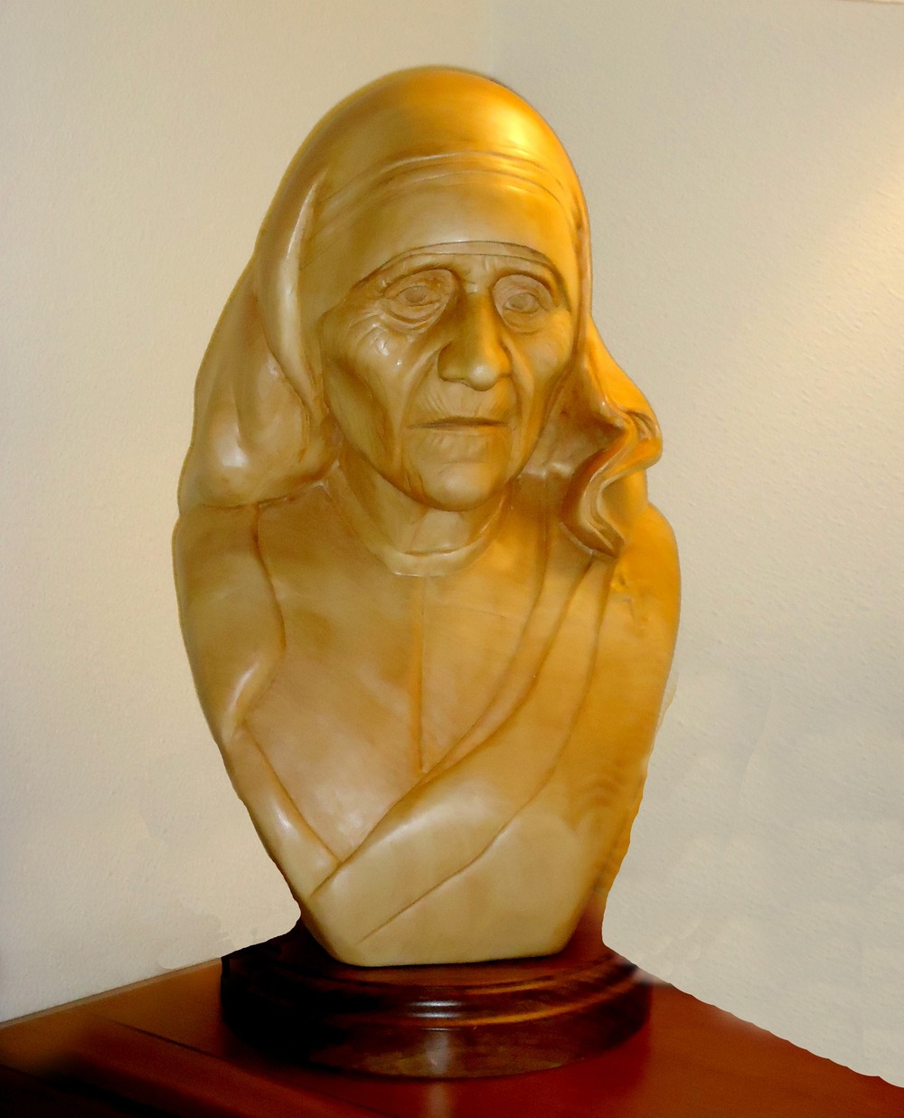 Mother Theresa 2 Maureen Laxpati Woodcarving
