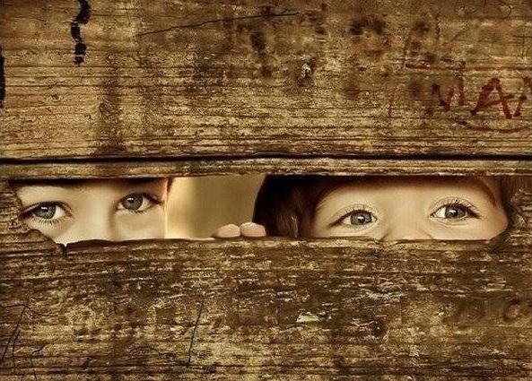 64348-Kids-Peeking-Through-Fence.jpg