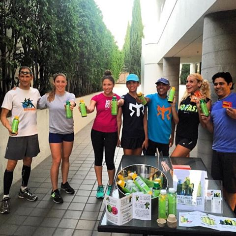 Repost from @2xu_santamonica  getting energized for their run! Please join them for a run every Thursday night at 6:30pm! #run #fitness #drinklife #thegorillaishere