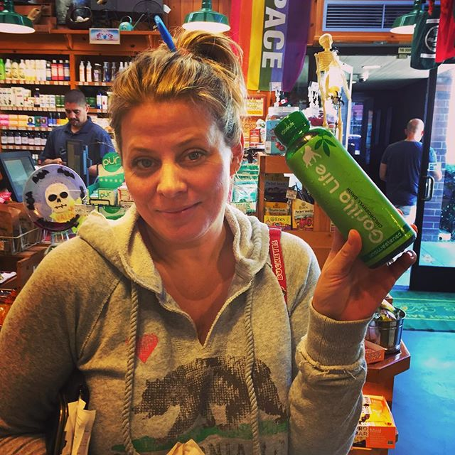 Had a great time spreading the word about Gorilla Life today at Mrs Winston's in Santa Monica! We'll be back there on Monday from 11:30 to 2pm come say hi and get your greens on the go! #GorillaLife #Greens #GreenDrink #DrinkYourGreens #DrinkLife #MrsWinstonsGreenGrocery #Chlorophyll #ChlorophyllWater