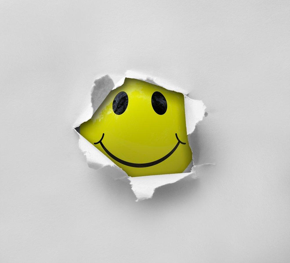 smiley-2055680_1920.jpg