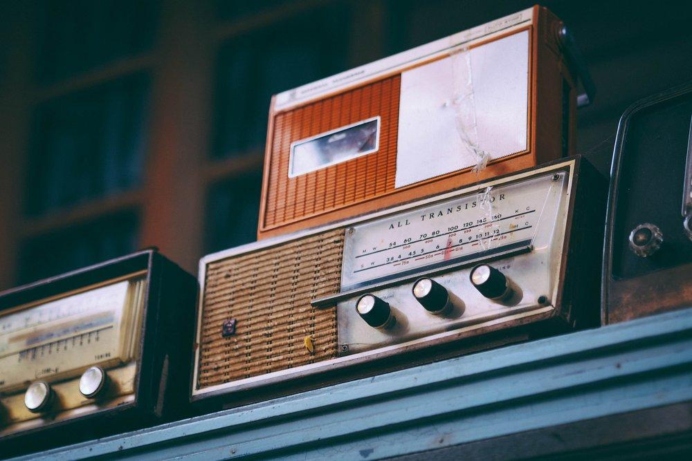 radio-2974649_1920.jpg