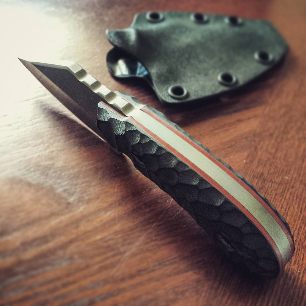 Lakonian Blade's Proletariat is a small work-knife perfect for everyday carry.