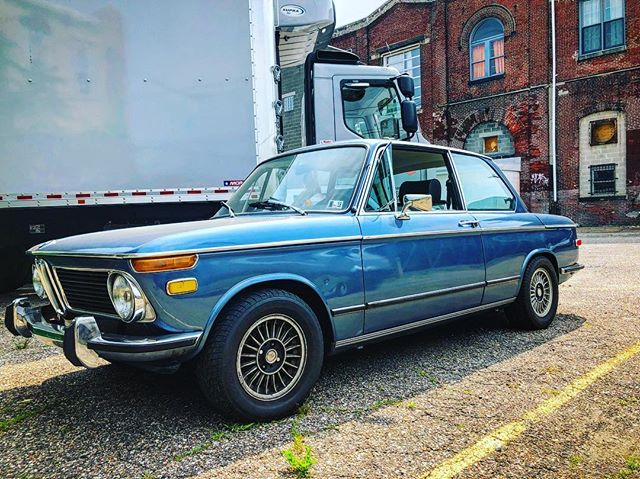 Suns out guns out - Pops car of the day. #bmw2002tii #bmw - @hjones103