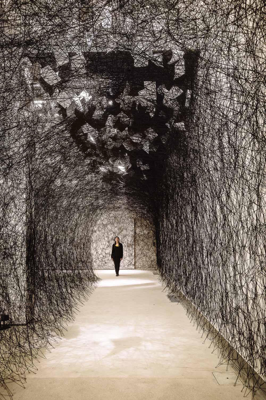 Chiharu Shiota |A long day    Associazione Culturale Dello Scompiglio   Lucca, 2014