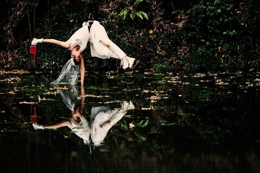 Cecilia Bertoni |Riflessi in bianco e nero/ Il Funerale del Tempo   Directed by Cecilia Bertoni. With Serena Gatti  Lucca, 2010