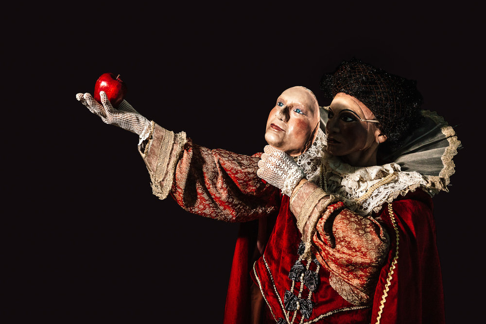 Teatro Del Carretto   Biancaneve   Directed by Maria Grazia Cipriani. Set designer Graziano Gregori. With Elena Nenè Barini, Giacomo Vezzani, Giacomo Pecchia  Lucca, 2015