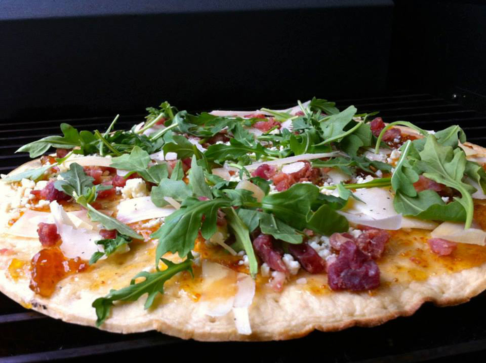 Grilled Fig and Prosciutto Pizza with Arugula
