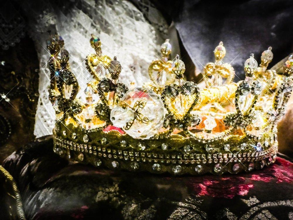 crown-2661334_1920.jpg