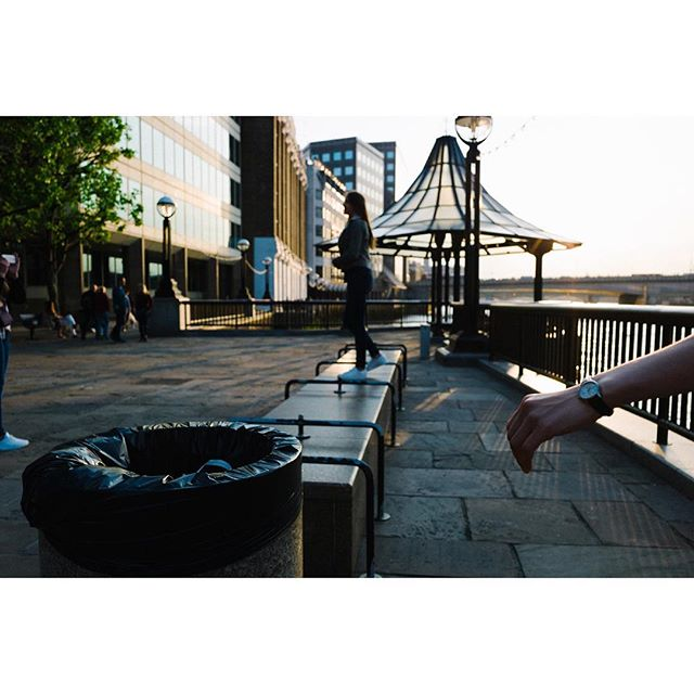 No focus . . . . . . #streetscape  #streets_oftheworld #what_i_saw_in_London #Londonlike  #streetmagazines #StoryOfTheStreet  #StreetLeaks  #InstaLondon  #spicollective #streets_vision #streetlife_award #MyFeatureShoot #UK #VSCOfilm