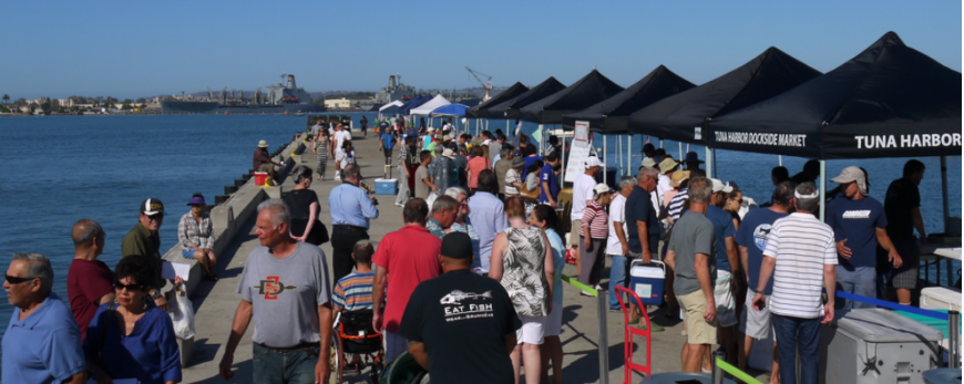 A Busy saturday morning at tuna harbor dockside market. image: California sea grant