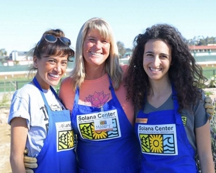 kashi-volunteer-lisa-mandy-jackie.jpg