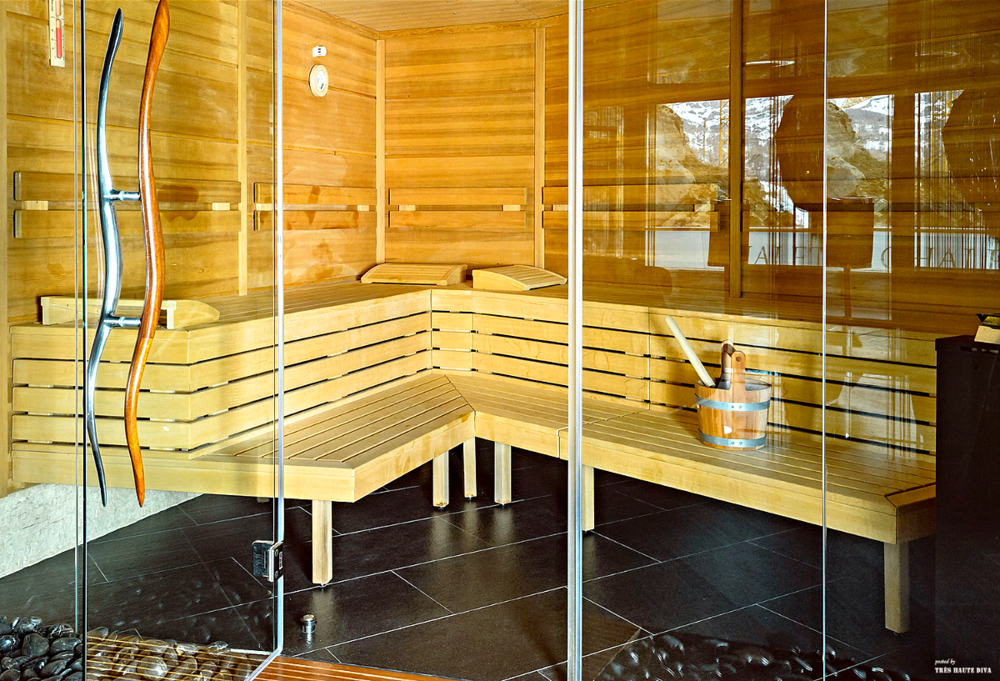 Dry Finnish and wet Swedish Sauna