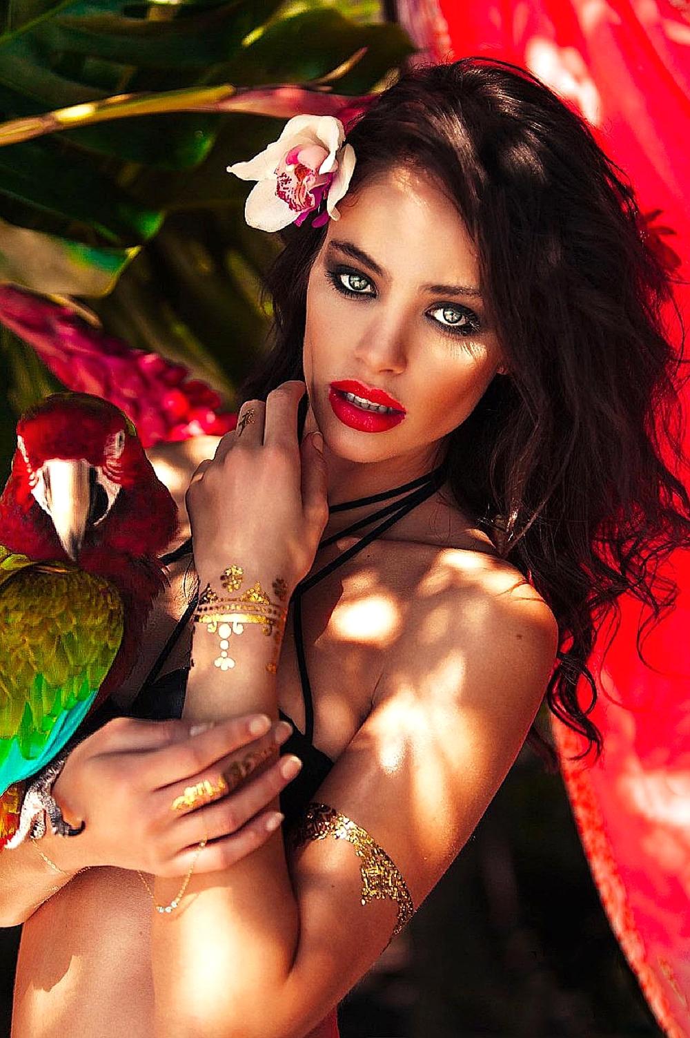 Adorn Henna Gold Tatoos