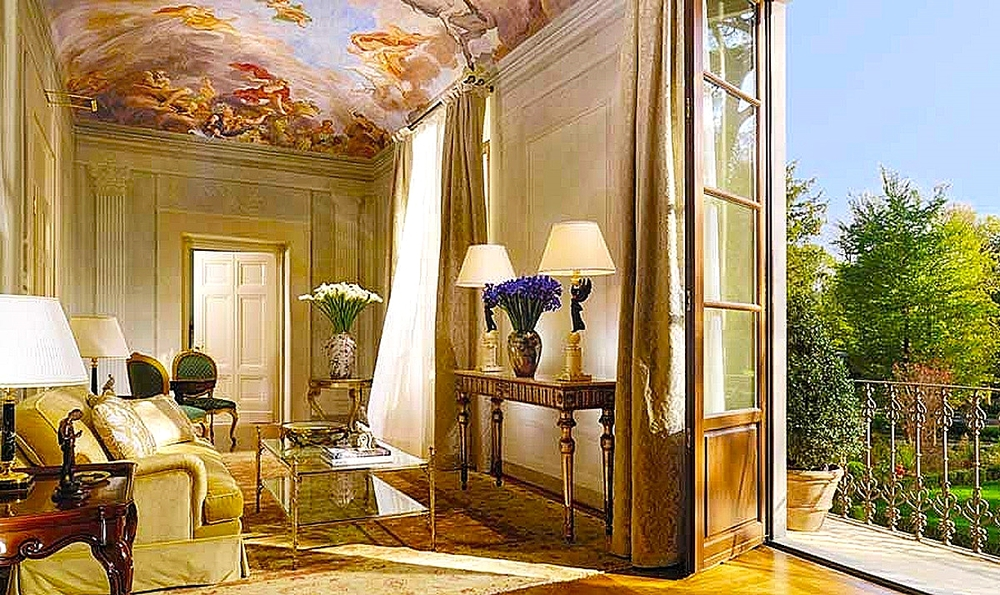 The Presidential Suite  (Conventino)