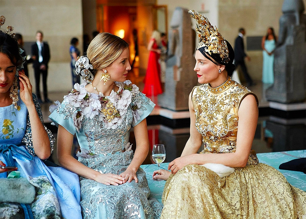 Annabelle Wallis and Tabitha Simmons both in Dolce Alta Moda      Photo: Taylor Jewell/Vogue