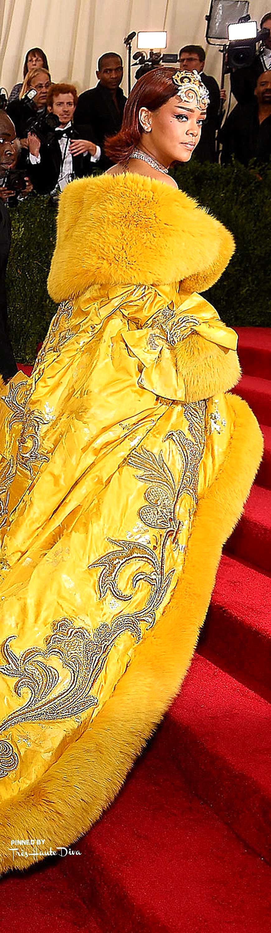 Rihanna in Guo Pei Couture            Getty Images/ Dimitrios Kambouris