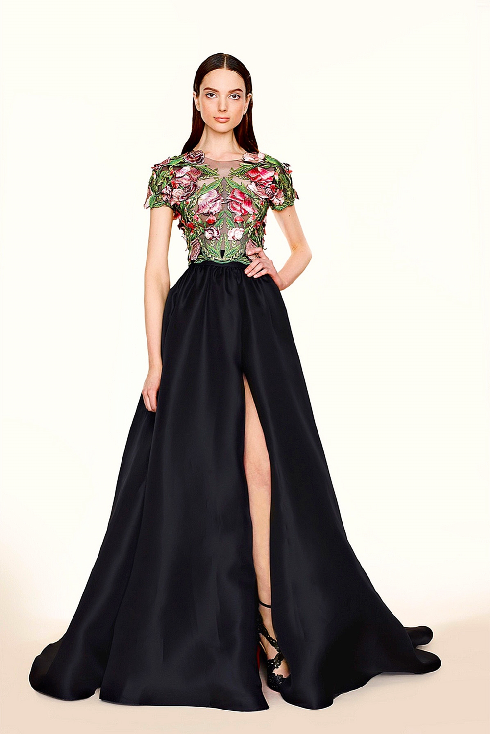 ea55f0ebaf For their sister Marchesa Notte line, Georgina Chapman and Keren Craig took  the same inspiration cues from their Marchesa resort collection — Islamic  ...