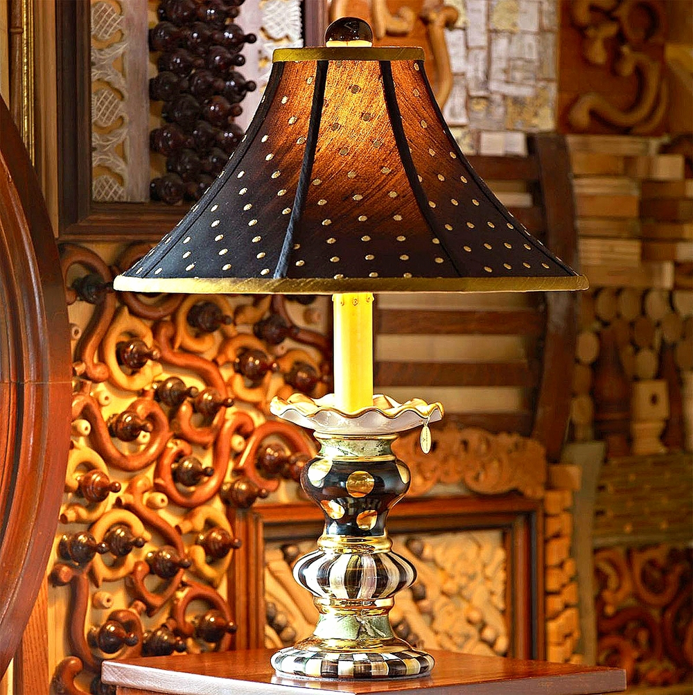 Courtly Candle Lamp