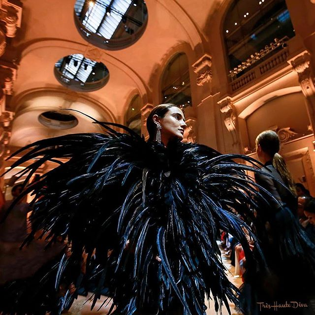 #pfw #hautecouture #hautecoutureweek #paris #fall18collection Alexandre Vauthier #fireworks of feathers Happy 4th of July! @treshautediva  @alexandrevauthier