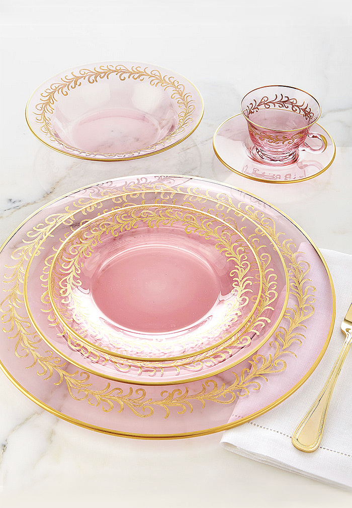 Blush Oro Bello Charger Plates