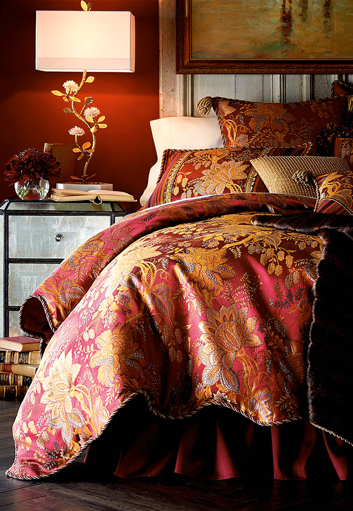 Sweet Dreams Francesca Scalloped Floral King/Queen Duvet