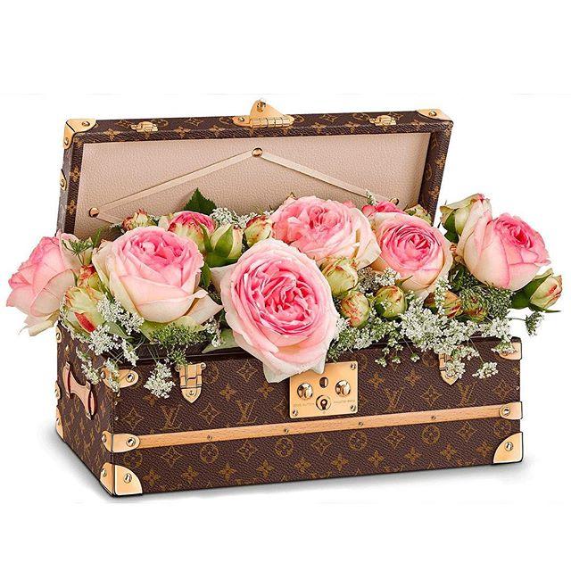#louisvuitton Malle flours #flower trunk @treshautediva @louisvuitton