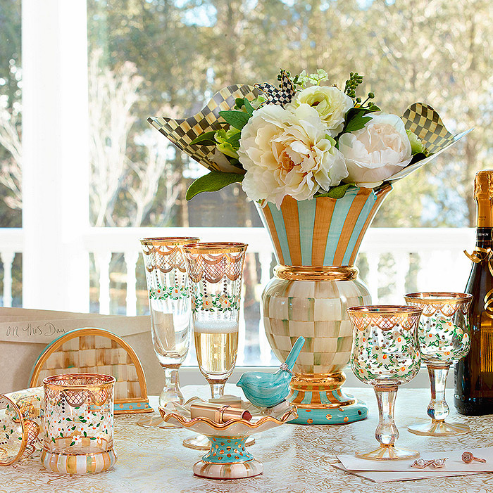 Parchment Check Great Vase, Sweatbriar Glass Collection